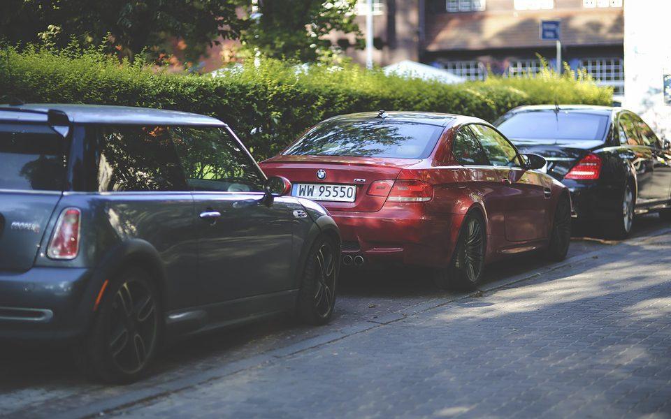 Czy warto sprzedawać samochody na skupie?